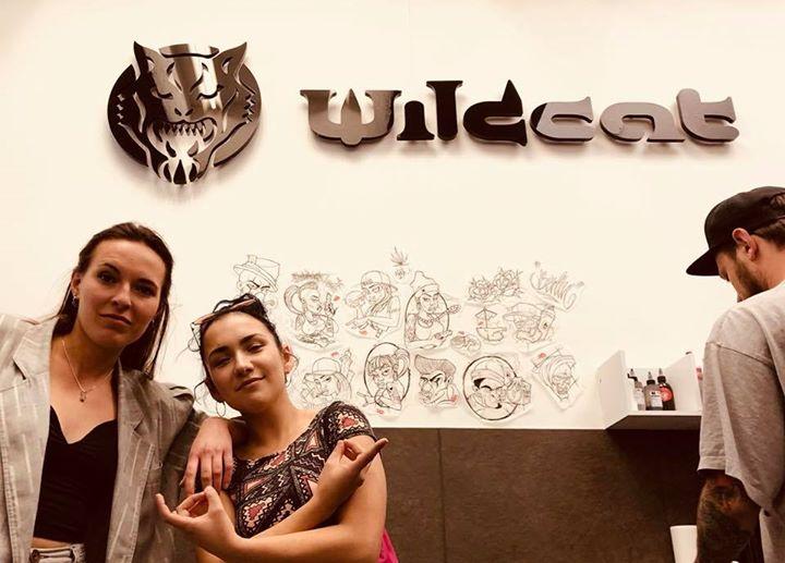Soeben haben diese 2 jungen Damen strahlend unser Studio verlassen nachdem ihnen