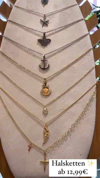 Habt ihr eigtl schon unsere neuesten Halsketten entdeckt? Da sind viele, viele d
