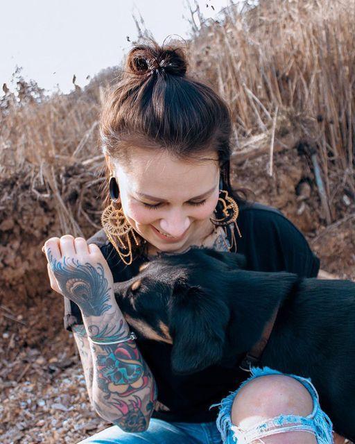 Zeigt her eure besten Freund    @inesgutfreund, mit ihrem süssen Hund, trägt hie
