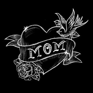 """Ist möglicherweise ein Schwarz-Weiß-Bild von Rose und Text """"MOM"""""""